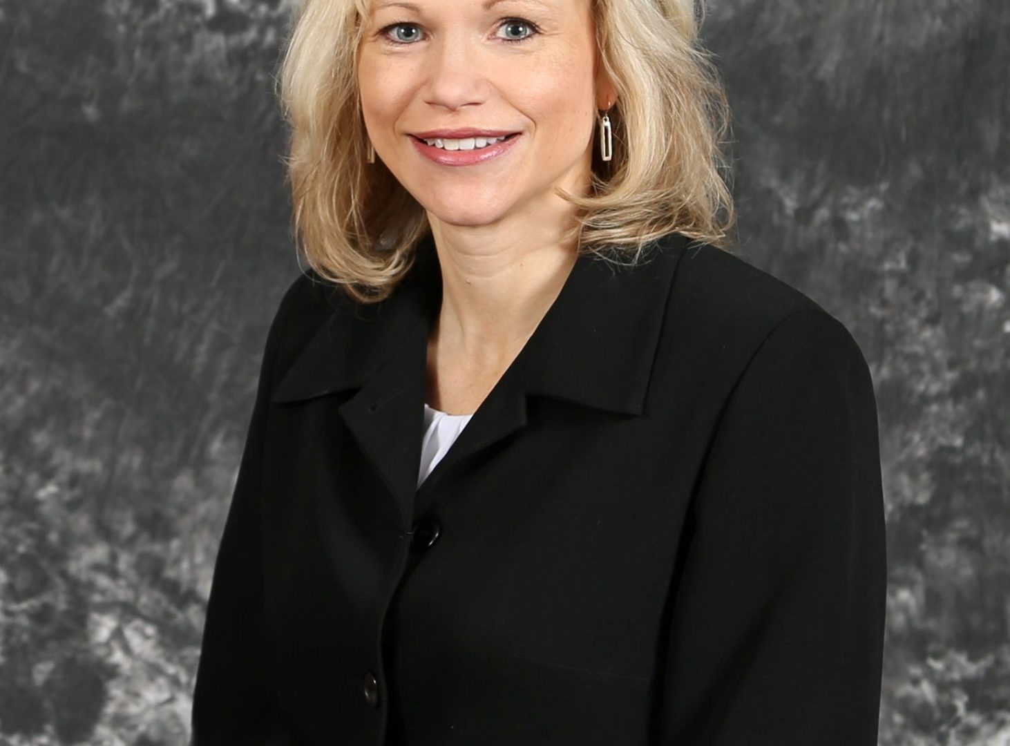 profile pic of Theresa Wetzsteon